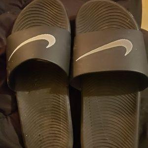 Mens size 8 Nike slides